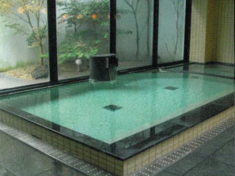 天山 トロン 温泉